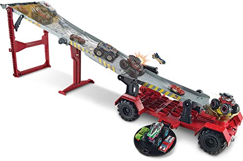 Hot Wheels - Monster Trucks Pista 2 in 1 Discesa Estrema Playset con Due Veicoli e Accessori, Giocattolo...